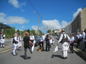 Dancing Shepherd's Hey outside the Royal Oak